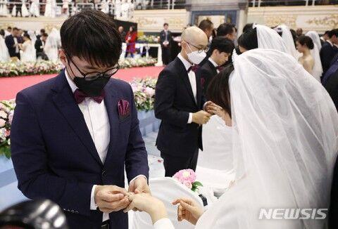 キチガイバ韓国塵にはキチガイ宗教がお似合い