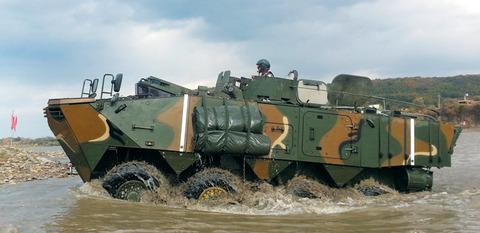 バ韓国初のオリジナル装輪装甲車