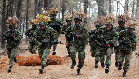 民間人を殺すしか能のない韓国兵士