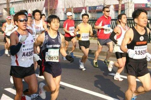 正式ランナーに成りすますバ韓国塵