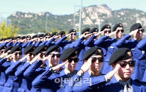 86バズーカみたいなバ韓国の観光警察