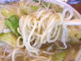 復刻版タンメン 麺のアップ