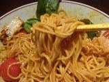 ぺペロン麺 麺のアップ