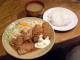 Aランチ チキン生姜焼 イカフライ カニコロッケ 700円