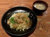 刺身えびのかに肉たっぷり中華あんかけチャーハン 720円