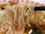太陽の酸辣トマト麺 麺のアップ