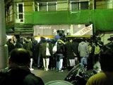 最終日、マスコミが群がる東池袋大勝軒