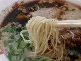 博多酒味噌ラーメン 麺のアップ