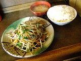 レバニラ定食 780円