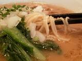 醤油ラーメン 麺のアップ
