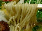 北海道チーズ角煮味噌らーめん 麺のアップ