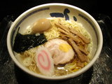 塩らぁ麺 740円