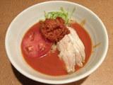 鶏トマトのうつけ涼麺 880円