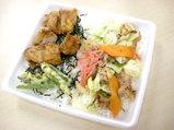 まんぷくとりめし&肉野菜炒め 560円