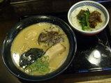 元味げんこつ麺 680円 + 洋風カレー煮込み肉丼 300円