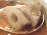 The トマトつけめん 角切りレンコンと角切り鶏肉
