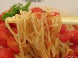 冷製イタリア麺 赤 麺のアップ