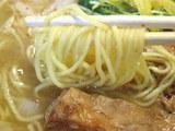 細香麺 塩味 麺のアップ