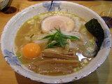 中華そば 680円 + 生卵