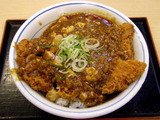 四川風麻婆鶏カツ丼 619円