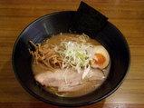 こく旨正油らー麺 650円