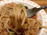 ポークシチュー 麺のアップ