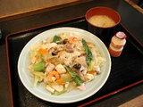 皿うどん(みそ汁+ヤクルト付 850円