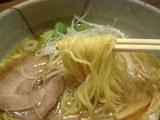 鯛出汁ラーメン 麺のアップ