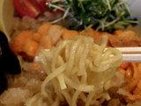 北海道産ウニとジュレの塩冷し中華 麺のアップ