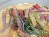 色イロ麺� 麺のアップ