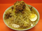 ○二ラーメン 麺少な目 野菜 ニンニク 700円