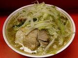 ラーメン 600円 + 野菜 + ニンニク