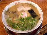 昭和ラーメン 750円