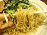 鶏ネギの柚子ソバ 麺のアップ