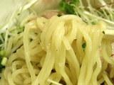 鯛のぶっかけ和え麺 塩 麺のアップ