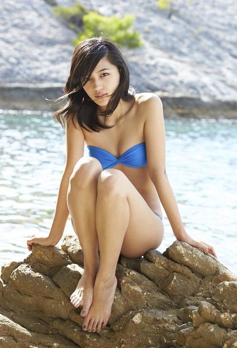川口春奈ちゃんがノリノリで水着になった理由wwwwwwwww