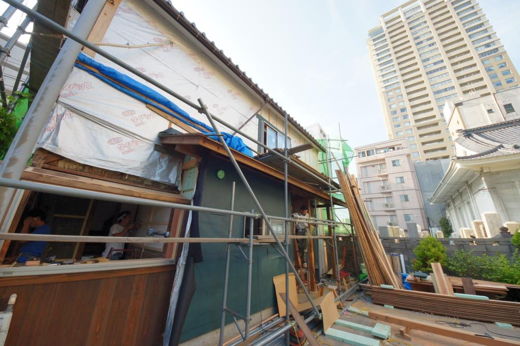 大工の山崎でございます                  木組みの家