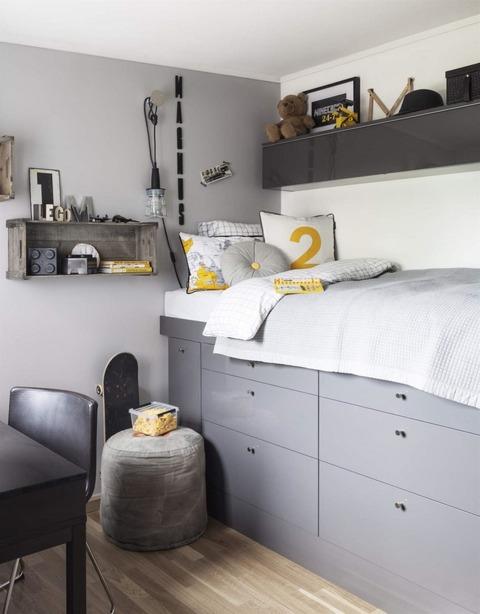 Grey + Black + さし色YellowのKids Room
