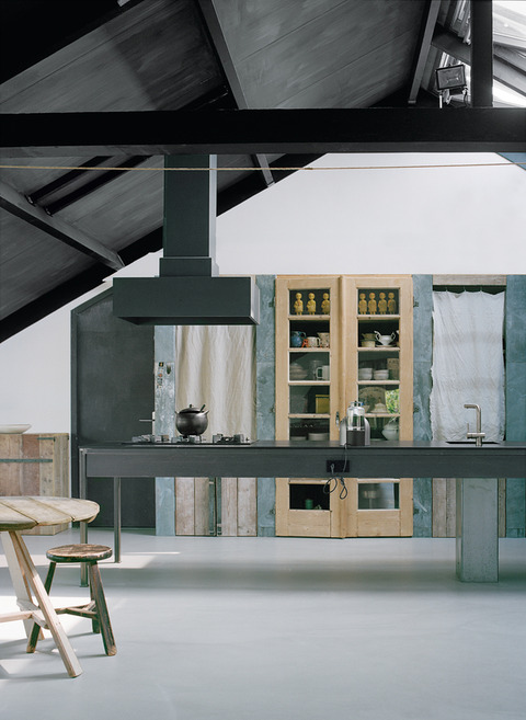 ナチュラル+シンプル オランダ、フェルトアーティストの家