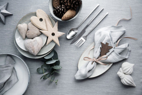 Natural Greeenを使ったChristmas Table Setting