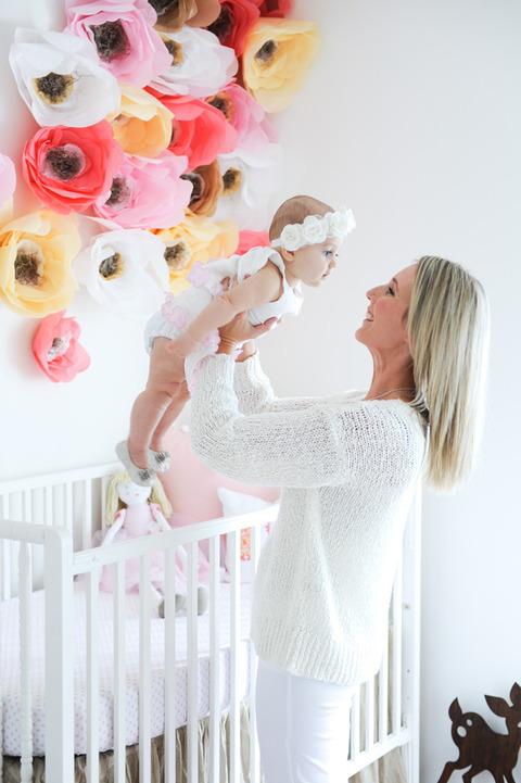 ピンクが可愛い赤ちゃんの部屋