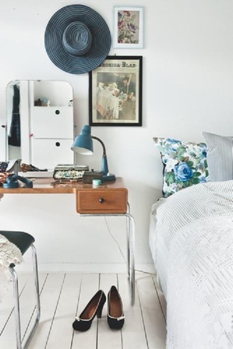 デンマーク ブルーがさし色のスタイリストの家