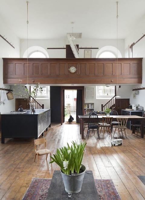 イギリス Wiltshireのシアターデザイナーの家