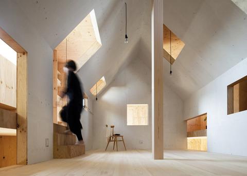 合板(Plywood)を使った家とインテリア