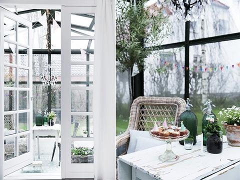 Denmark サンルームが素敵な白い家