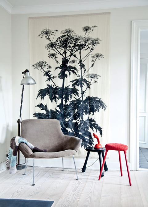 Denmark リサイクル家具とグラフィックを使ったFarm House