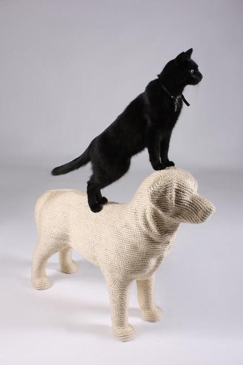 犬の形の猫GOODS?