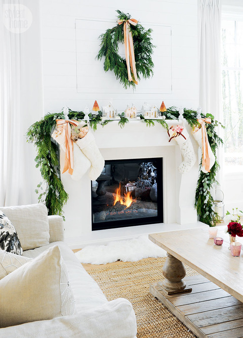 Lifestyle BloggerさんのPretty in Pink Christmas Decor