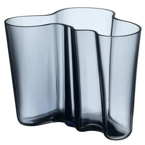 Aalto vase rain