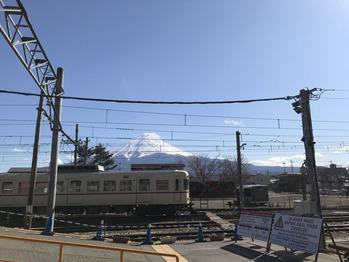 河口湖駅 富士山